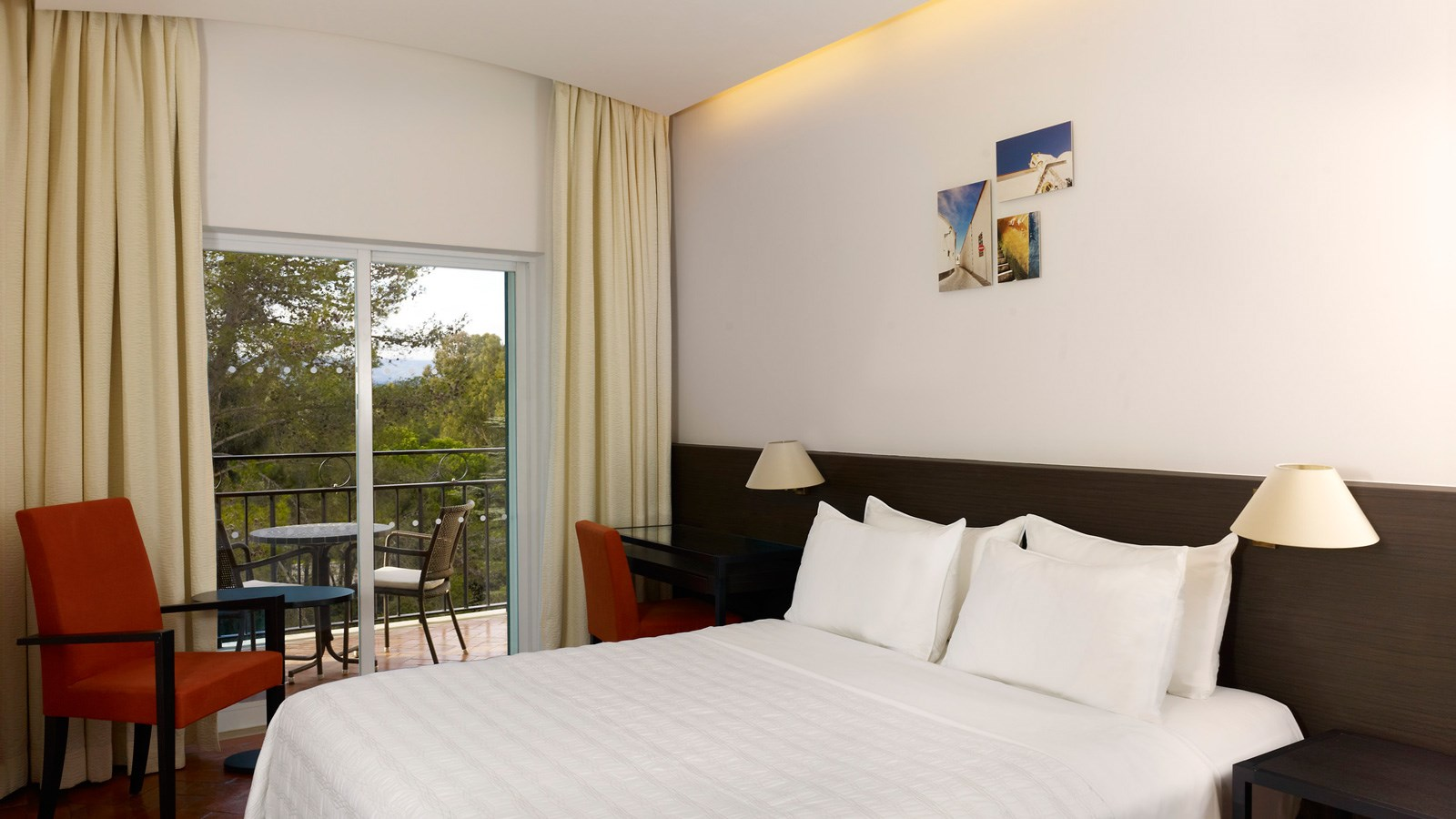 Classic Guestroom at Penina Hotel and Golf Resort