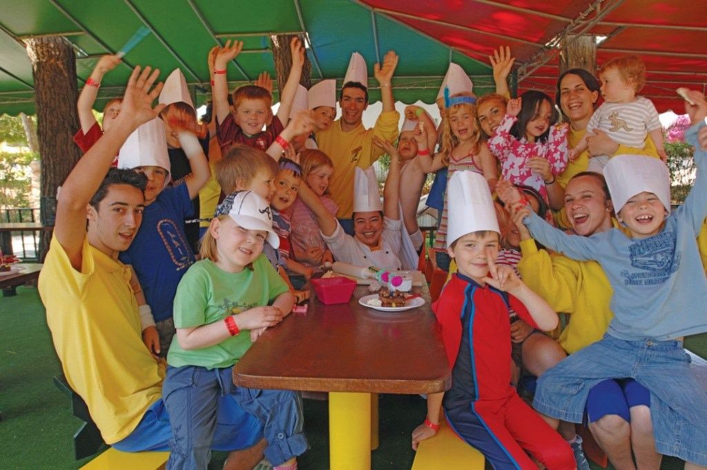 Waving Group at the Kangaroo Kids Club at Penina Hotel and Golf Resort